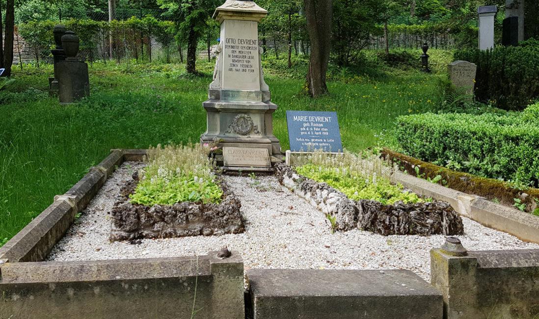 Historische Grabstätte Familiengrab Jena Nordfriedhof Gestaltung