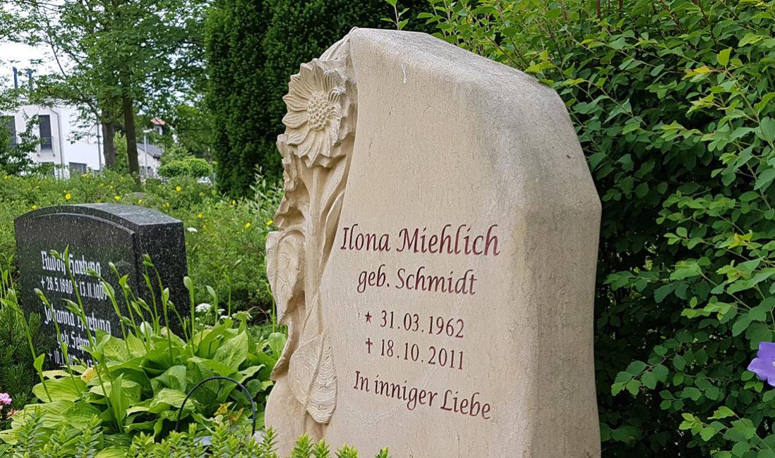 Grabsteine Sonnenblume Blumen Motive Sandstein modern Steinmetz Erfurt Friedhof Hochheim