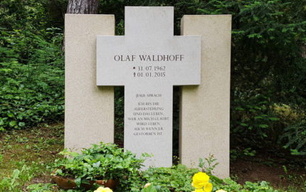 Erfurt Hauptfriedhof Grabstein Waldhoff