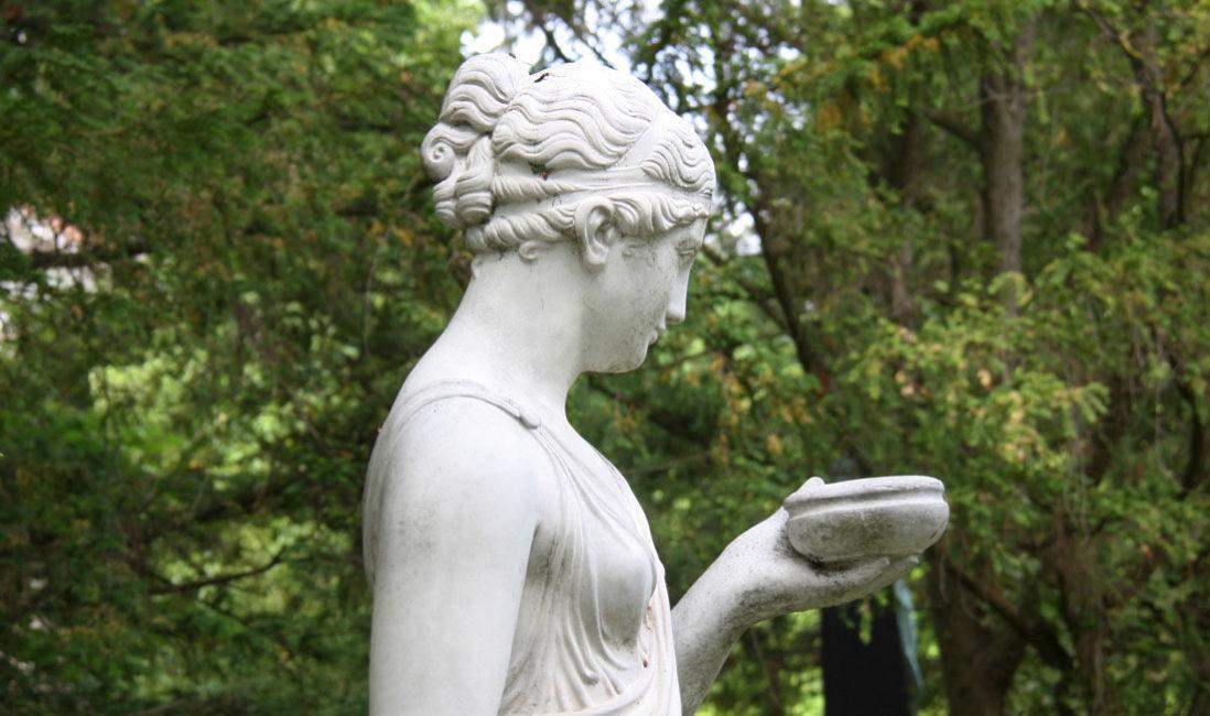 Historisches Grab Familiengrab Steinguss Jena Nordfriedhof Detail