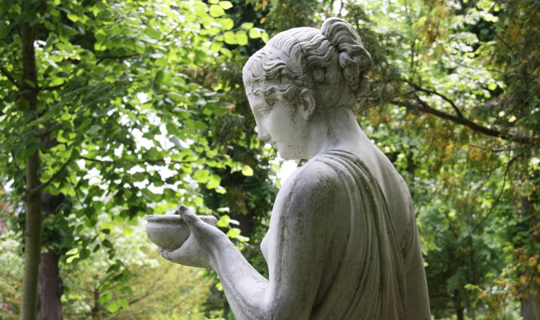Historisches Grab Familiengrab Steinguss Jena Nordfriedhof Seitenansicht