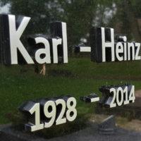 Grabinschrift Grabsteinbeschriftung mit Metall Buchstaben
