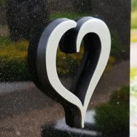 Grabornament Herz für Grabstein aus Metall