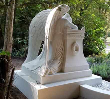 Köln Südfriedhof Familiengrab mit Engel Familie Schade