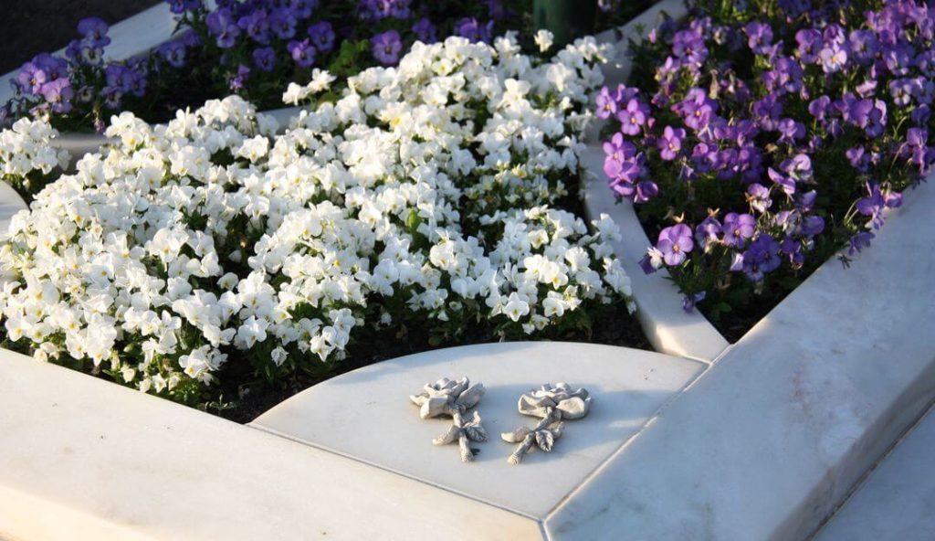 grabsteine grabplatten f r urnengrab kleine gro e. Black Bedroom Furniture Sets. Home Design Ideas