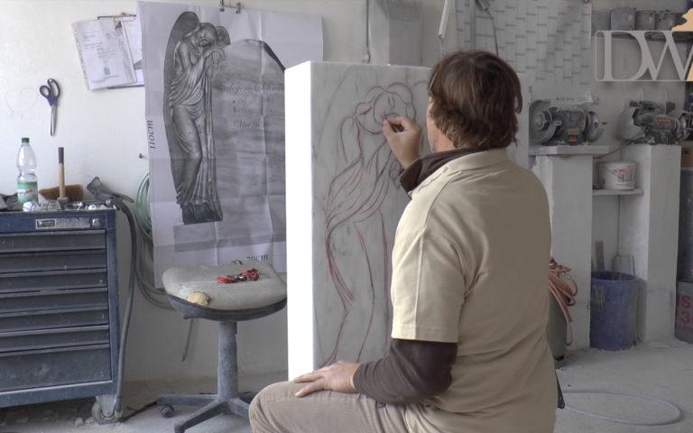 Video zu Marmor Friedhofsengel Grabstein – Blick in die Werkstatt
