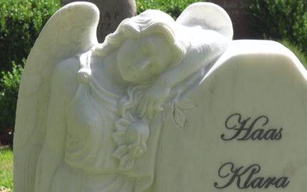 """Marmor Urnengrabstein mit Engel """"Clarissa"""""""