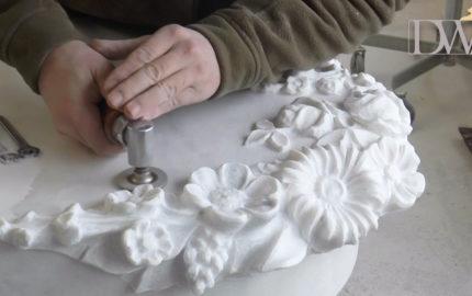 Grabsteine mit Inschrift & Blumen – Marmor weiß Urnengrab Einzelgrab