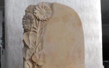 """Urnengrabstein Sandstein """"Florenzia"""" – Grabstein Motive mit Sonnenblume"""