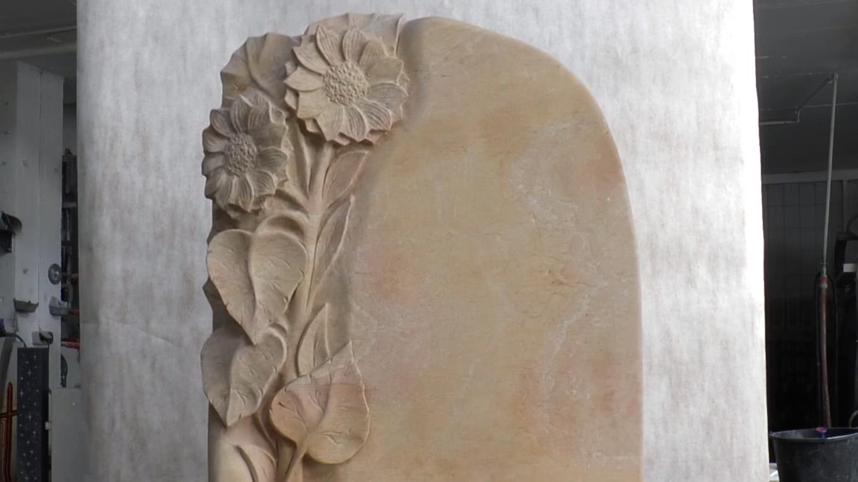 """Video zu Urnengrabstein Sandstein """"Florenzia"""" – Grabstein Motive mit Sonnenblume"""