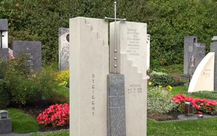 Grabstein für ein Familiengrab/Doppelgrab aus Kalkstein & Granit