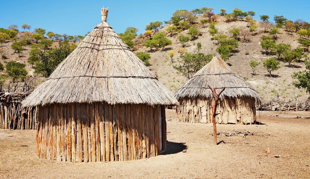 Beerdigungen in Afrika sind eher ein großes Familienfest als eine traurige Angelegenheit. | Bildquelle: © depositphotos