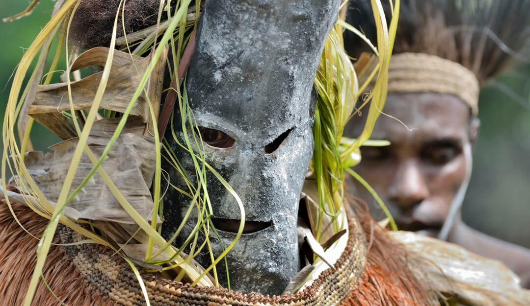 In Afrika praktizieren die Einheimischen zahlreiche Beerdigungsrituale und - bräuche. | Bildquelle: © depositphotos