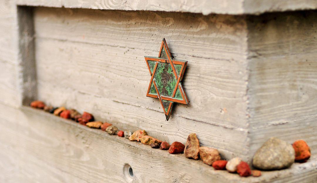 Im Judentum werden Steine als Grabschmuck verwendet. | © demerzel21