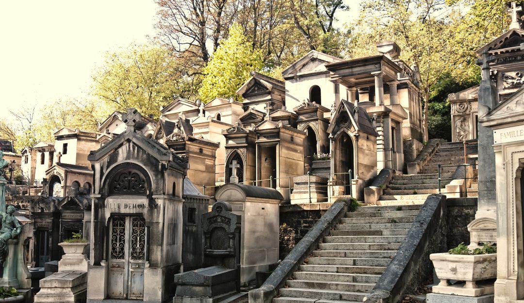 Mit einem großen Gelände ist der Friedhof einen Tagesausflug wert. | Bildquelle: © Fotolia - petra b.