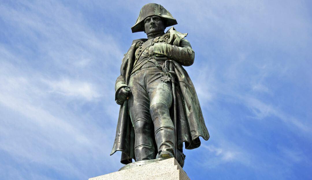 Napoleon verstarb im Alter von 51 Jahren auf der englischen Insel Sankt Helena. | Bildquelle: © ahornfoto - Fotolia