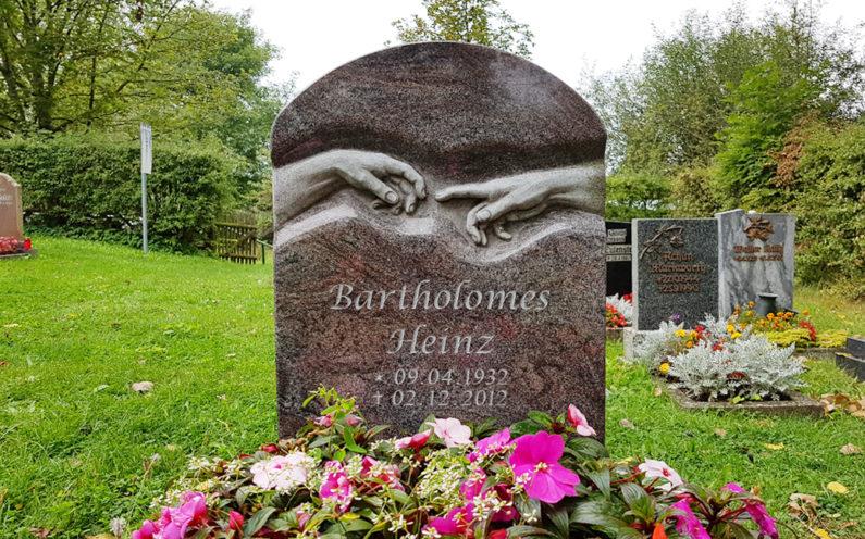 Hammerstedt Dorffriedhof Grabstein Bartholomes