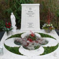 Doppelgrabstein Familiengrabstein Grabplatte Grababdeckung Doppelgrabanlage Familiengrabanlage Gestalten Gestaltung Grabstein Doppelgrabstein Steinmetz Friedhof Brück Köln