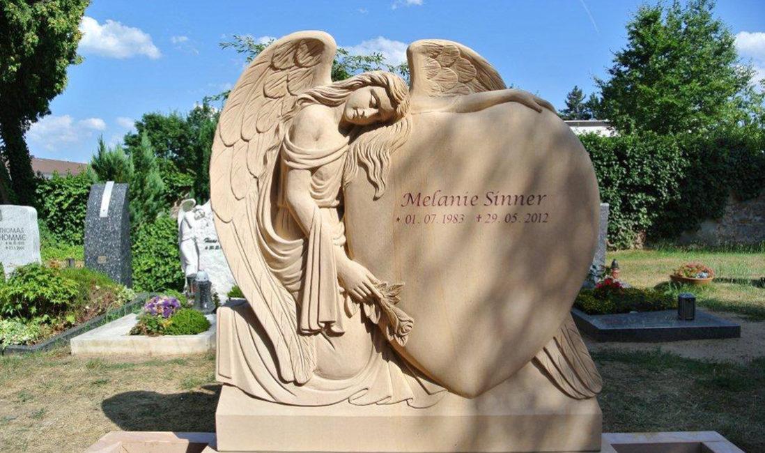 Familiengrab Doppelgrab Grabstätte Engel Grabstein Sandstein Wixhausen Friedhof Steinmetz Herz Darmstadt