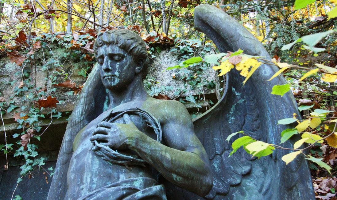 historisch Grabengel Familiengedenkstätte Gruft Bronze Untermhäuser Friedhof Gera