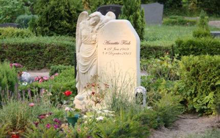 Gingst Friedhof St. Jacobi Grabstein Fink