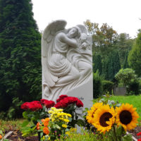 Grab Pflanzen Sommer Beispiele Ideen Grabbepflanzung Einzelgrab Engel Grabmale Steinmetz Friedhof Berlin