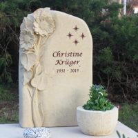 Urnengrabstätte Gestaltung Grabstein Sonnenblume Sandstein Steinmetz Friedhof Schönfließ Eisenhüttenstadt