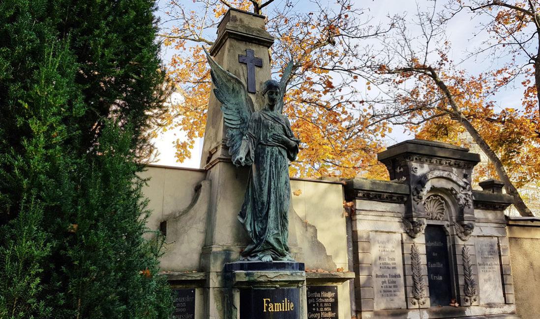 historisches Grabmal Engel Familiengrab Sandstein Bronze Südfriedhof Gera