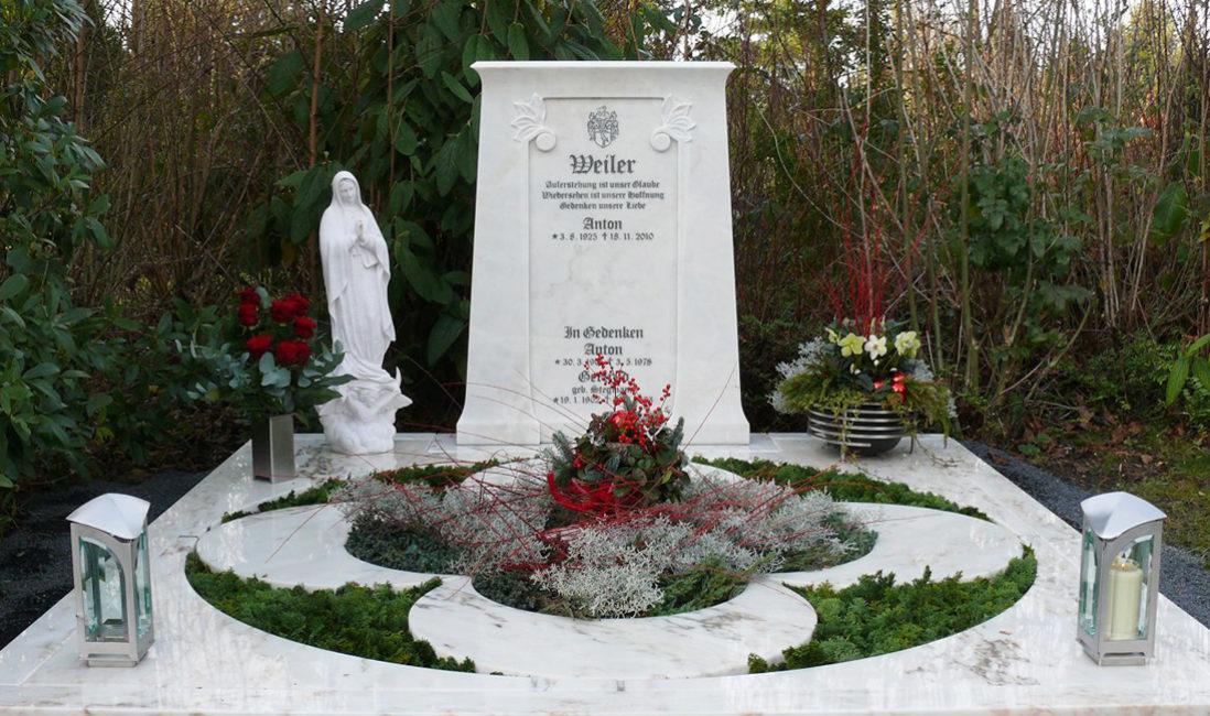 Moderne Doppelgrabgestaltung Familiengrab Grabplatten Grababdeckung Marmor Mustergräber Steinmetz Köln Brück Friedhof
