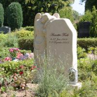 Grabstätte mit Engel Grabanlage Einzelgrabstätte Rügen Gingst Friedhof Steinmetz