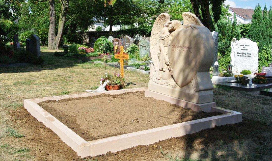 Doppelgrab Familiengrab gestalten Grabstätte Grabstein mit Engel Grabengel Steinmetz Wixhausen Herz Darmstadt