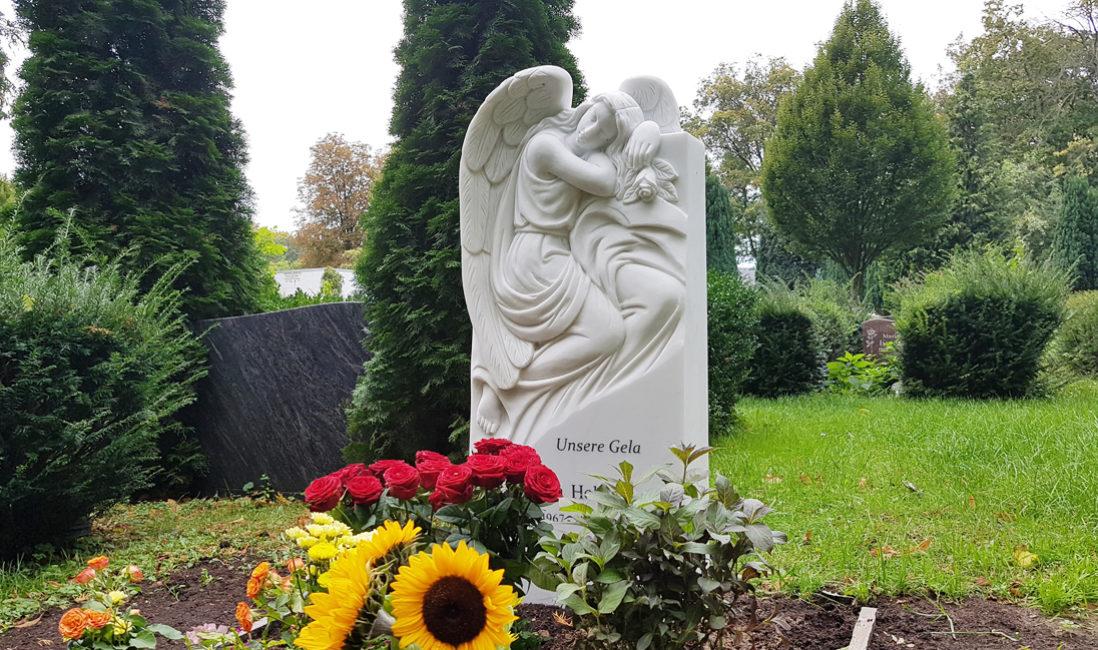 Grabgestaltung Grabsteine Grabmale Trauernder Engel Einzelgrab Marmor Steinmetz St. Johannis Friedhof Berlin