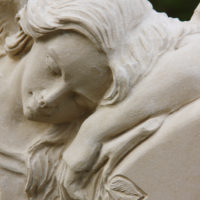 Engel Gesicht Trauernder engel Gingt Rügen Steinmetz Grabgestaltung Grabengel Friedhofsengel
