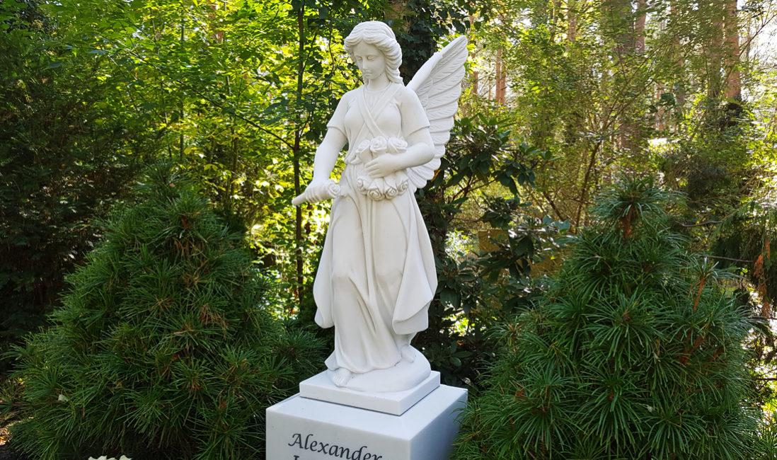 Engel Skulptur Figur Marmor für Grab Grabstätte Friedhof Zehlendorf Berlin