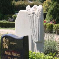 Engel Grabsteine kaufen Beispiele Bilder Fotos Gestaltung Grabstätte Grabanlage Rügen Gingst Friedhof Steinmetz