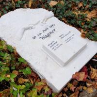 Liegender Grabstein Marmor Familiengrab Michelangelo Sixtinische Kapelle Rom Steinmetz Gera Ostfriedhof