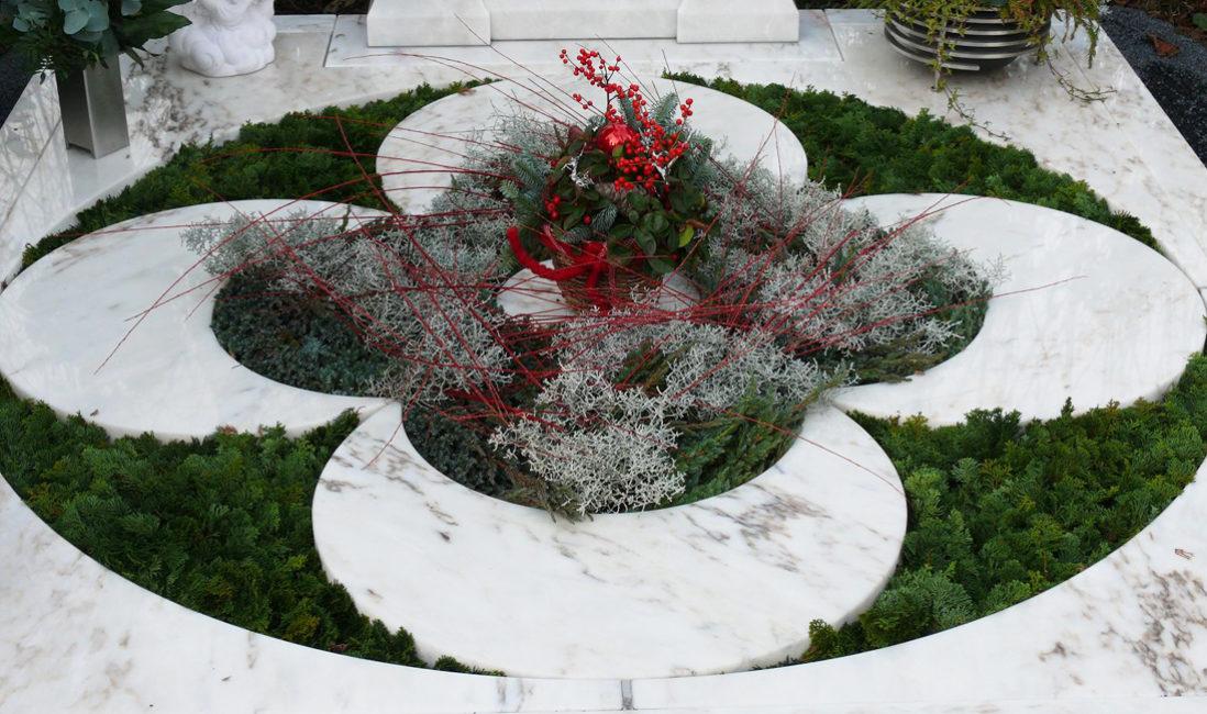 Familiengrab Grababdeckung Grabplatten modern Gestaltung Doppelgrab Marmor Platten Steinmetz Köln Brück Friedhof