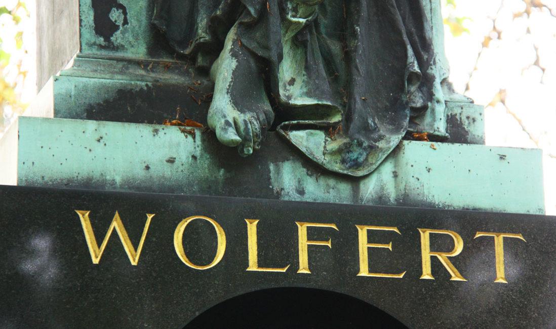 historisch Engelgrabstein Familiengrab Bronze Granit Gera Ostfriedhof Schrift