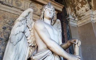 Historische und Antike Grabsteine