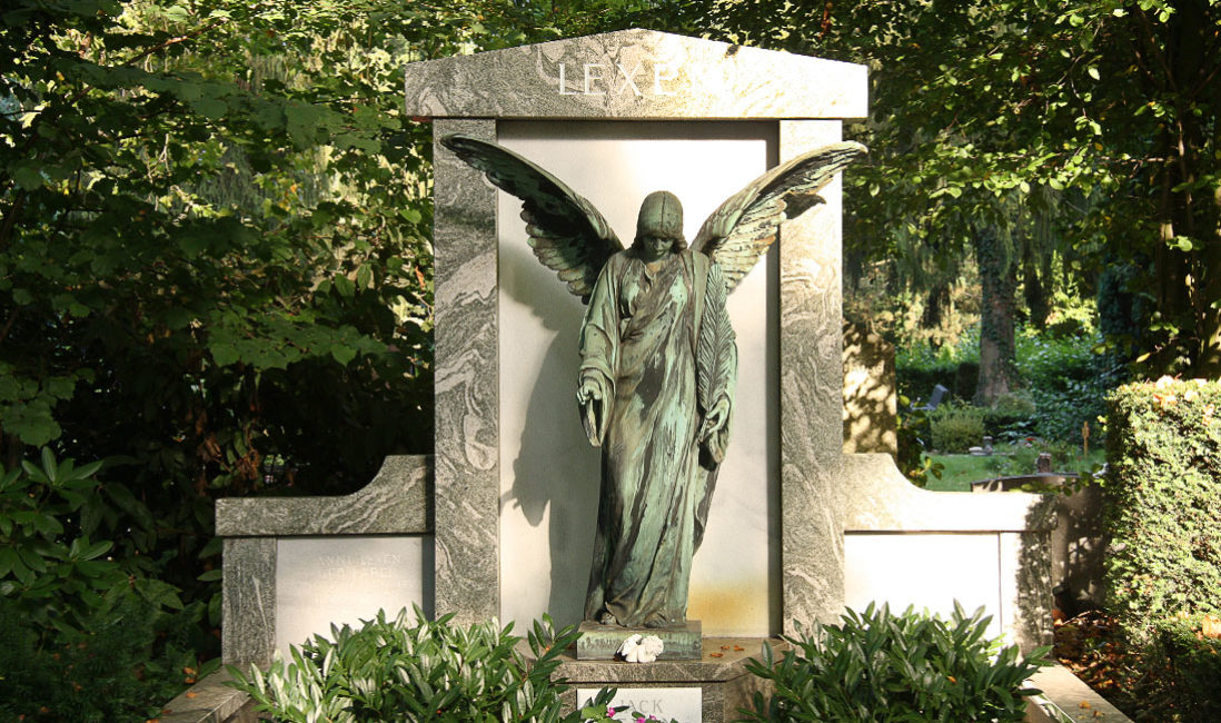 historisch Grabengel Bronze Familiengrabanlage Granit Melatenfriedhof Köln