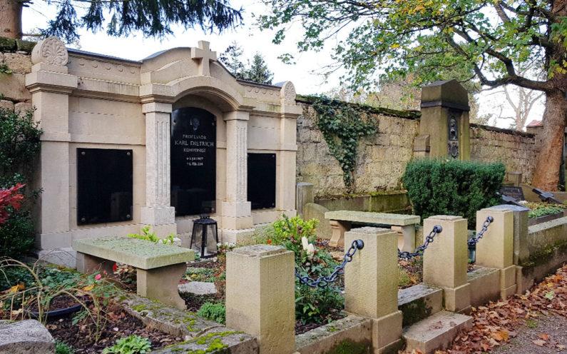 Weimar Hauptfriedhof Grabstätte Karl Dietrich - 1