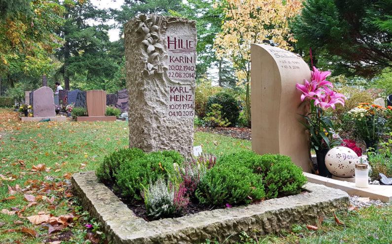 Saalfeld Hauptfriedhof Urnengrabmal Hille - 1