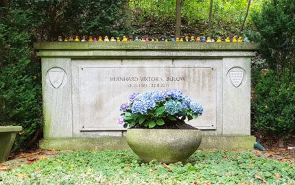 Berlin Friedhof Heerstraße Grabstein Loriots
