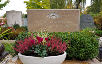Saalfeld Hauptfriedhof Doppelgrabstein Kowalleck