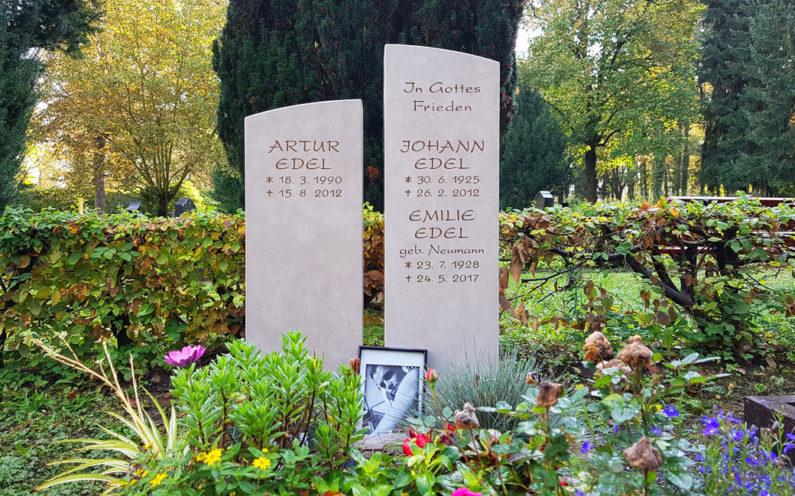 Gera Südfriedhof Grabstein Edel - 1
