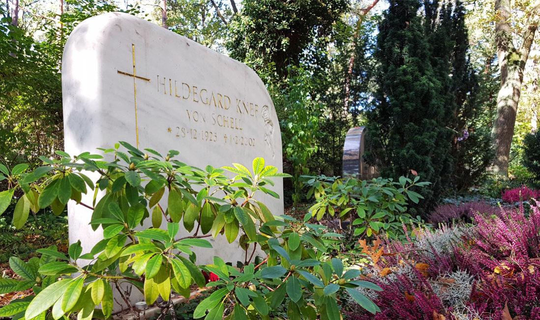 Grabstätte  Grabstein Marmor Hildegard Knef Berlin Waldfriedhof Zehlendorf Grabgestaltung
