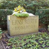 Grabstein Ernst Reuter Berlin Waldfriedhof Zehlendorf