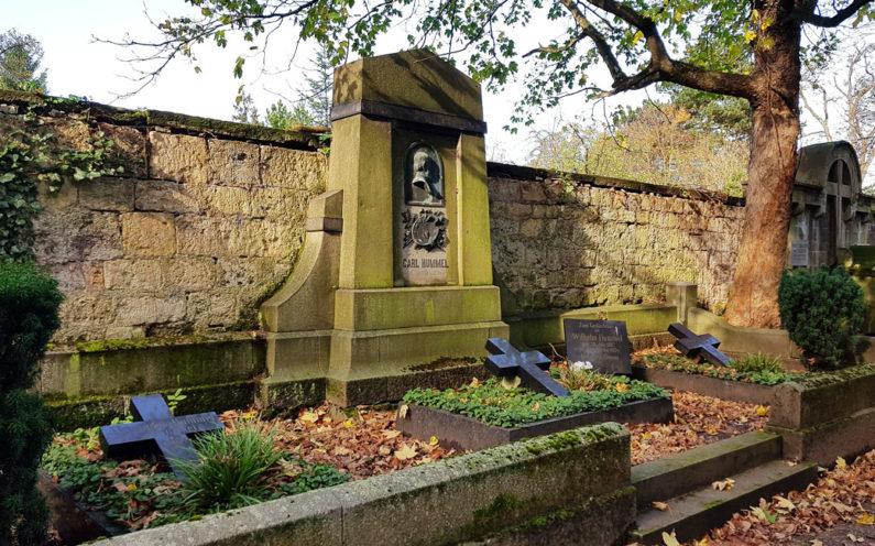 Weimar Hauptfriedhof Grabstein Carl Hummel - 2
