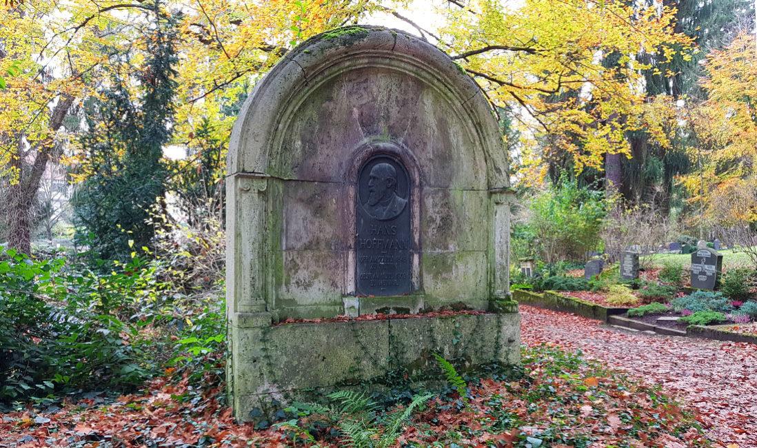 berühmt Einzelgrab Grabstein Hans Hoffmann Kalkstein Hauptfriedhof Weimar