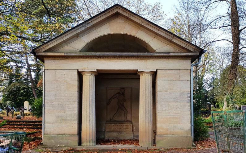 Weimar Hauptfriedhof Grabstätte Wildenbruch - 2